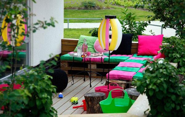Детски кът от палети за тераса и градина