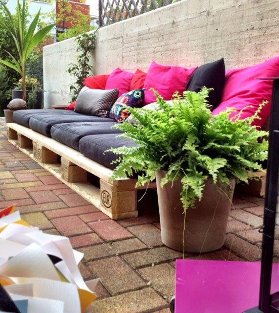 Градинска мека мебел от палета