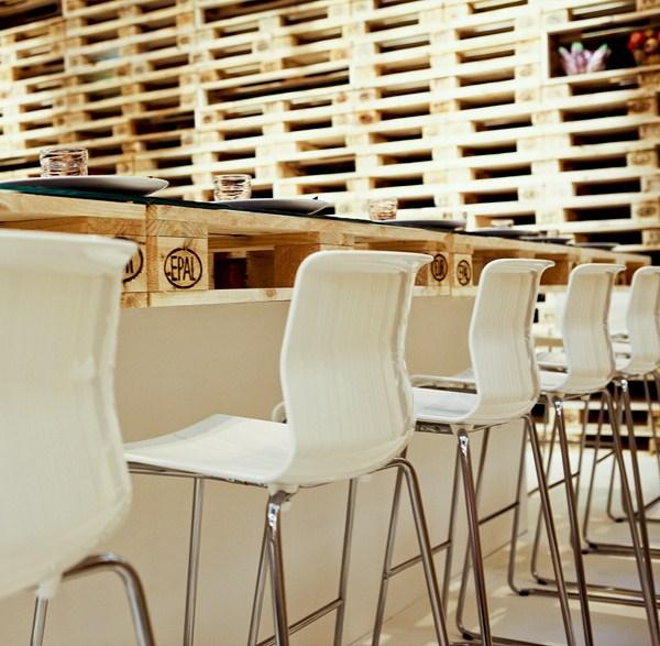 Мебели от палети за ресторант