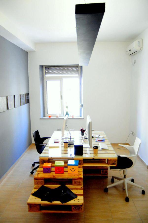 Офис бюро от палети