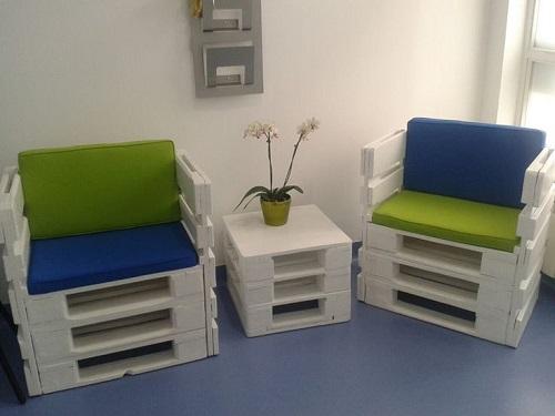 Столове от палети за офиса