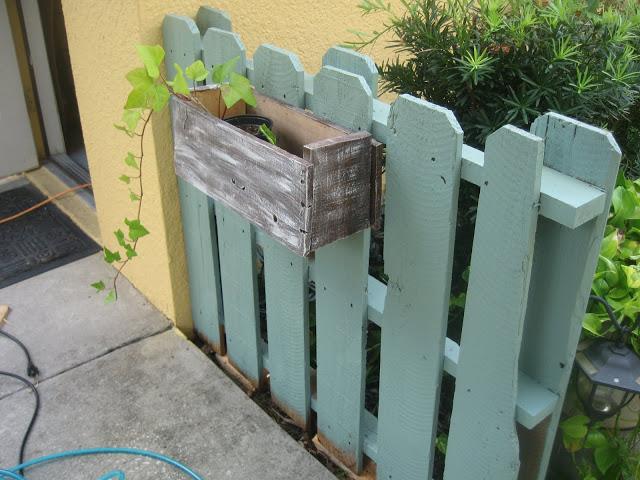 Ограда от палети за градината