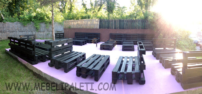 Градинска мебел от палети за заведение