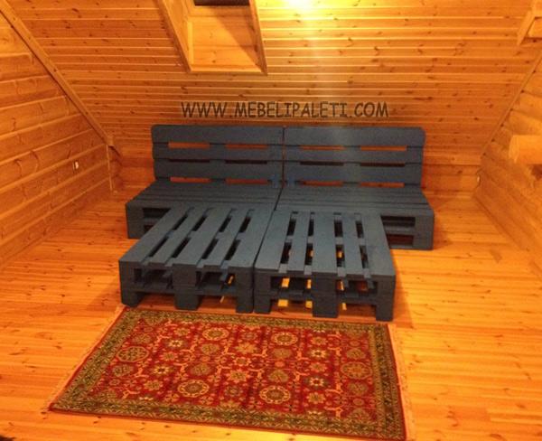 спалня от палети в синьо