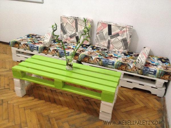 офис маса и диван от палета