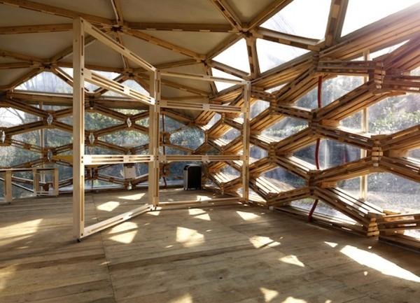 павилион от дървени рециклирани палети