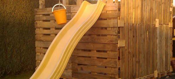 детска пързалка от дървени палети