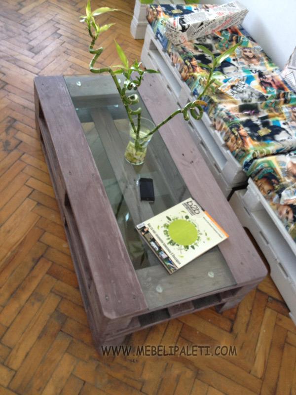 сива маса от палети за дома