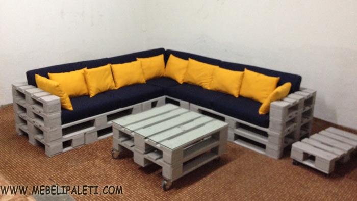 диван и маси с колца за луфтханза